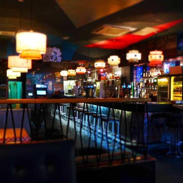 Nice & Sleazies - inside the bar