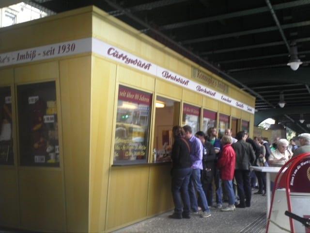 konnopke Imbiss currywurst berlin