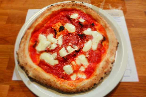 Paesano pizza - Spiniata spicy salami pizza