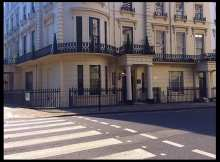 Accommodation: Apple Apartments, Westbourne Terrace, Hyde Park, London