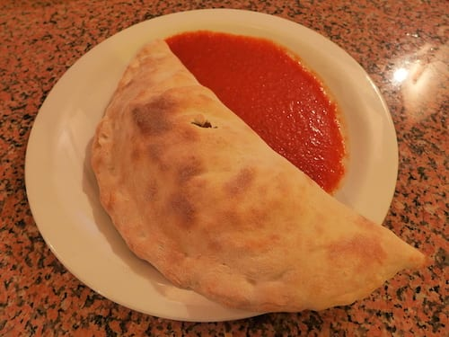 glasgow foodie explorers food travel blog La_Piazza_York_Calzone
