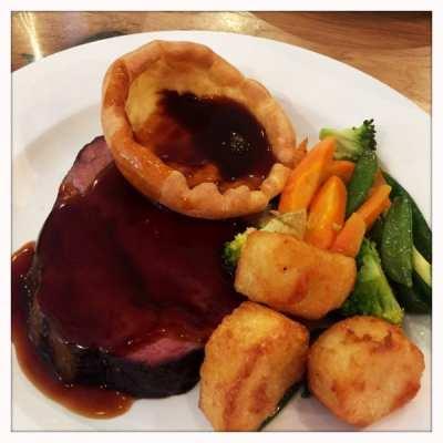 Sunday roast beef Loks Glasgow