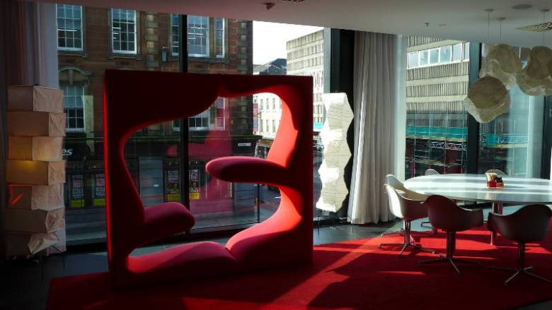 CitizenM Glasgow - funky seating