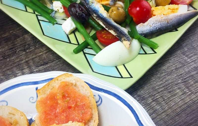 Recipe: pa amb tomàquet (tomato bread)