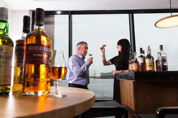 Clydeside Distillery - tasting whisky