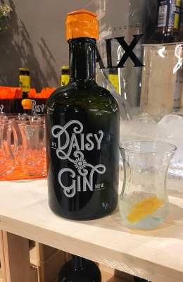 Daisy gin German gin world gin day