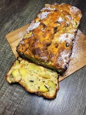 Recipe chunky apple tea loaf cake