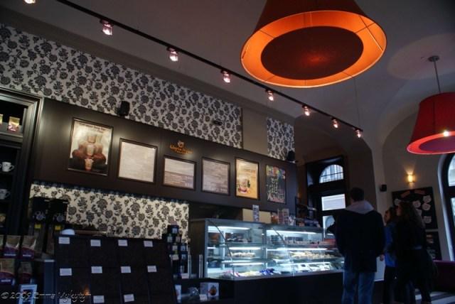 gloria jeans coffee budapest