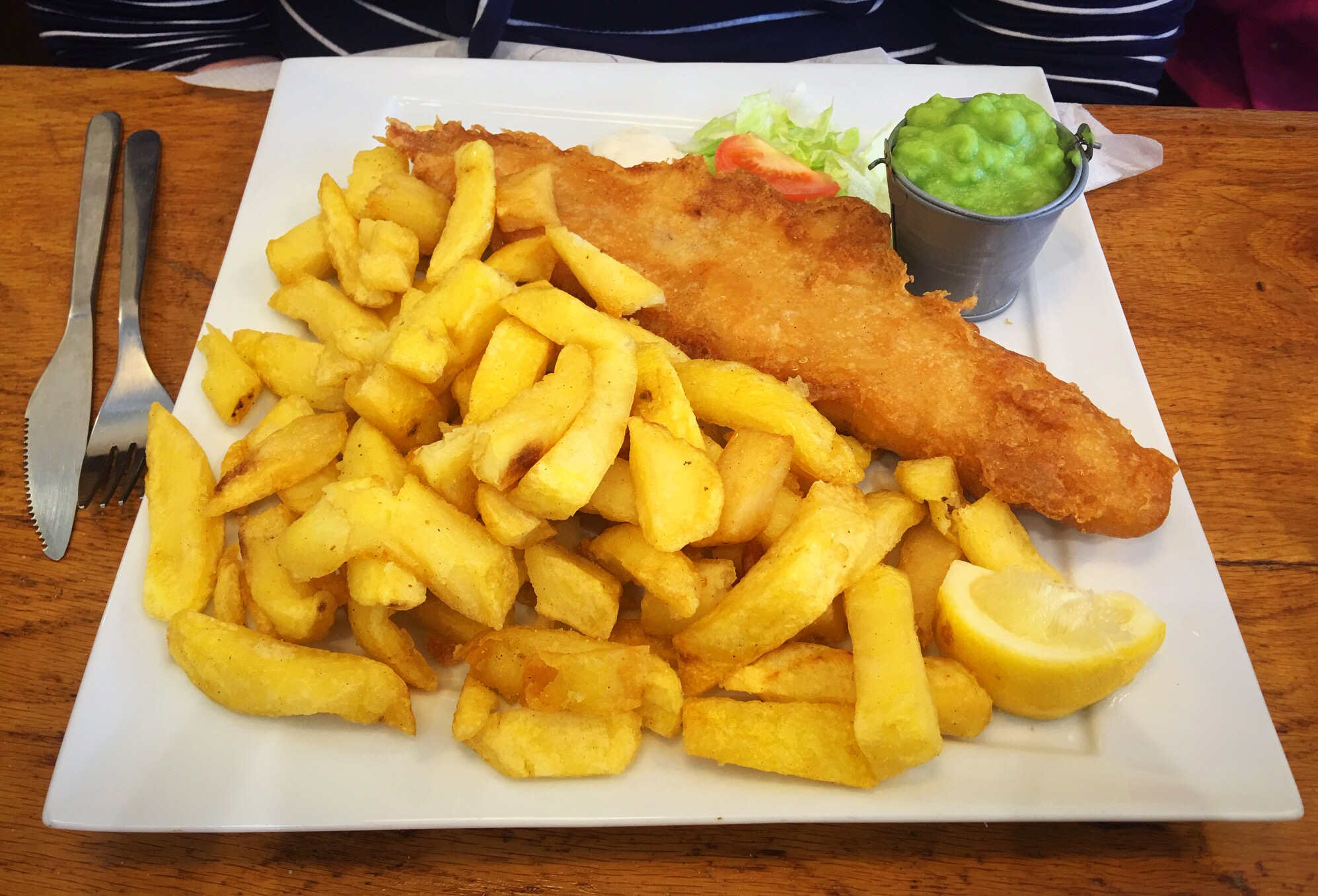 Quinn's Fish cafe comber fish and chips