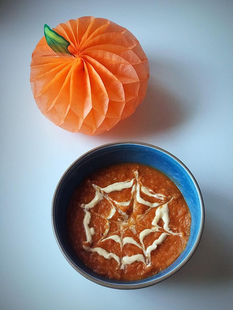 Spooky Halloween bean pumpkin soup