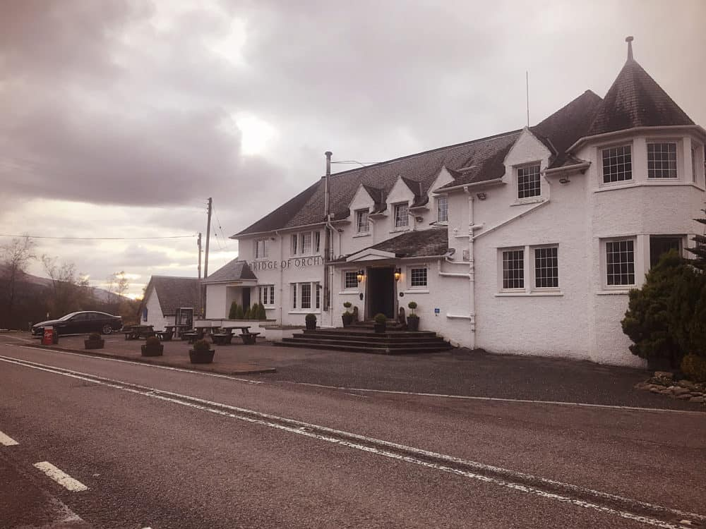bridge of orchy hotel outside