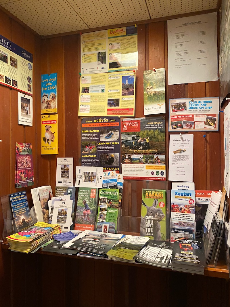 information point with leaflets