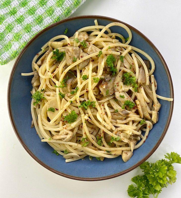 mushroom pasta above 2