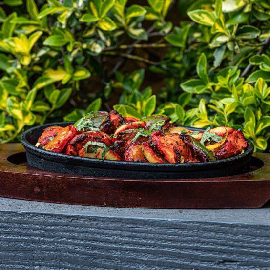 the radhuni garden dining