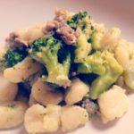 Gnocchi broccoli e salsiccia