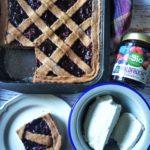 Crostata integrale-saracena con ricotta e frutti di bosco