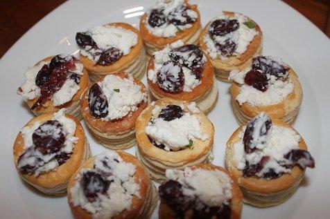 Feta borrelhapje Feesthapje cranberry feta en munt