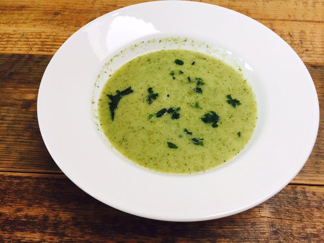 Courgettesoep met munt foodblog Foodinista recept