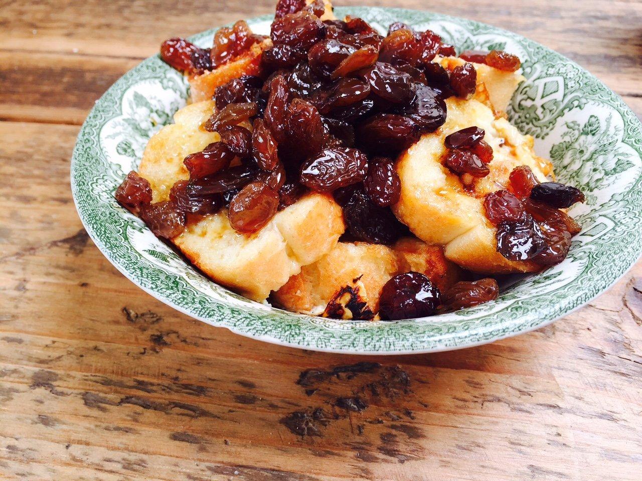 Wentelteefjes met rozijnen recept foodblog Foodinista