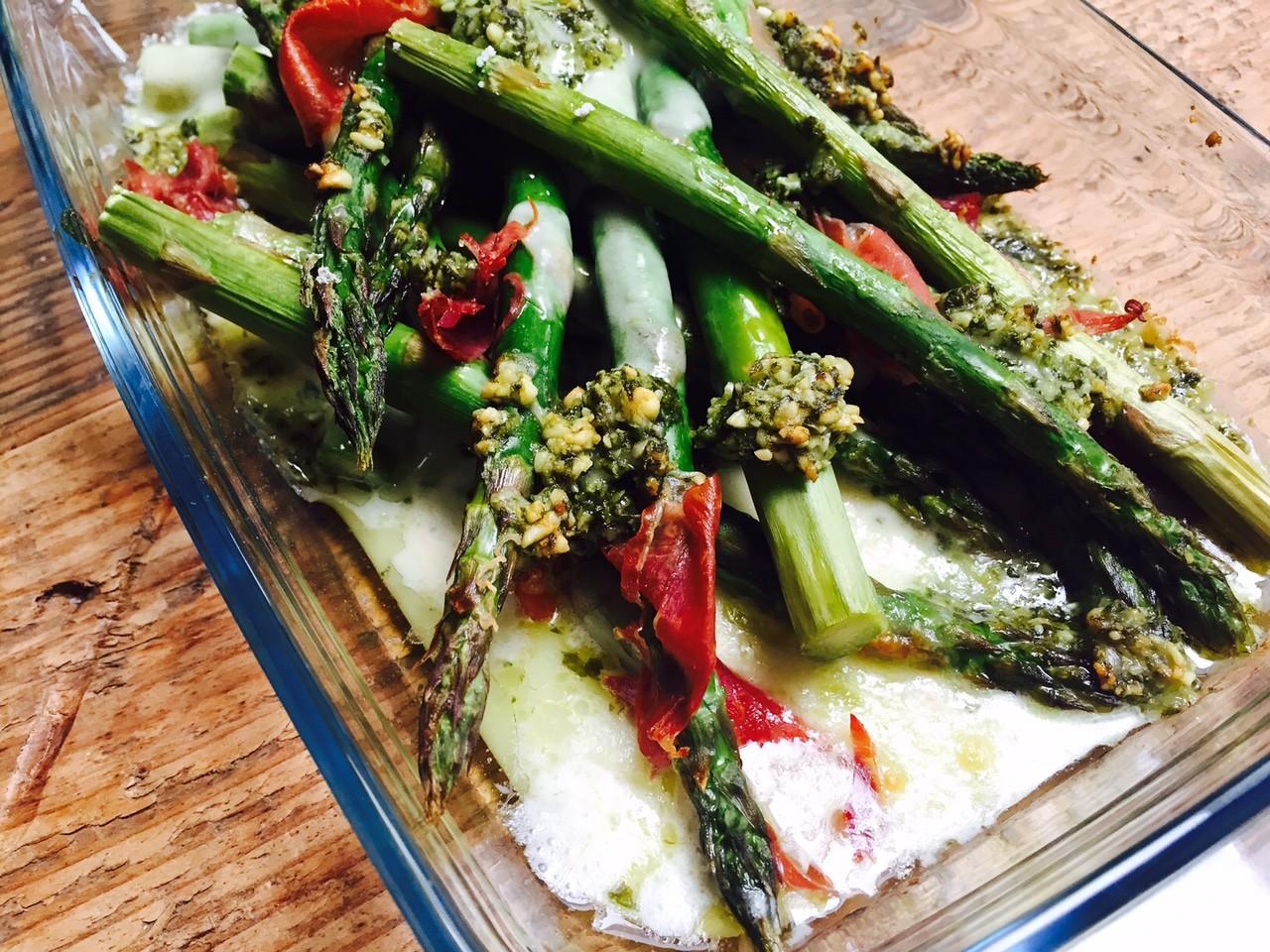 Geroosterde asperges met pesto ovenschotel foodblog Foodinista
