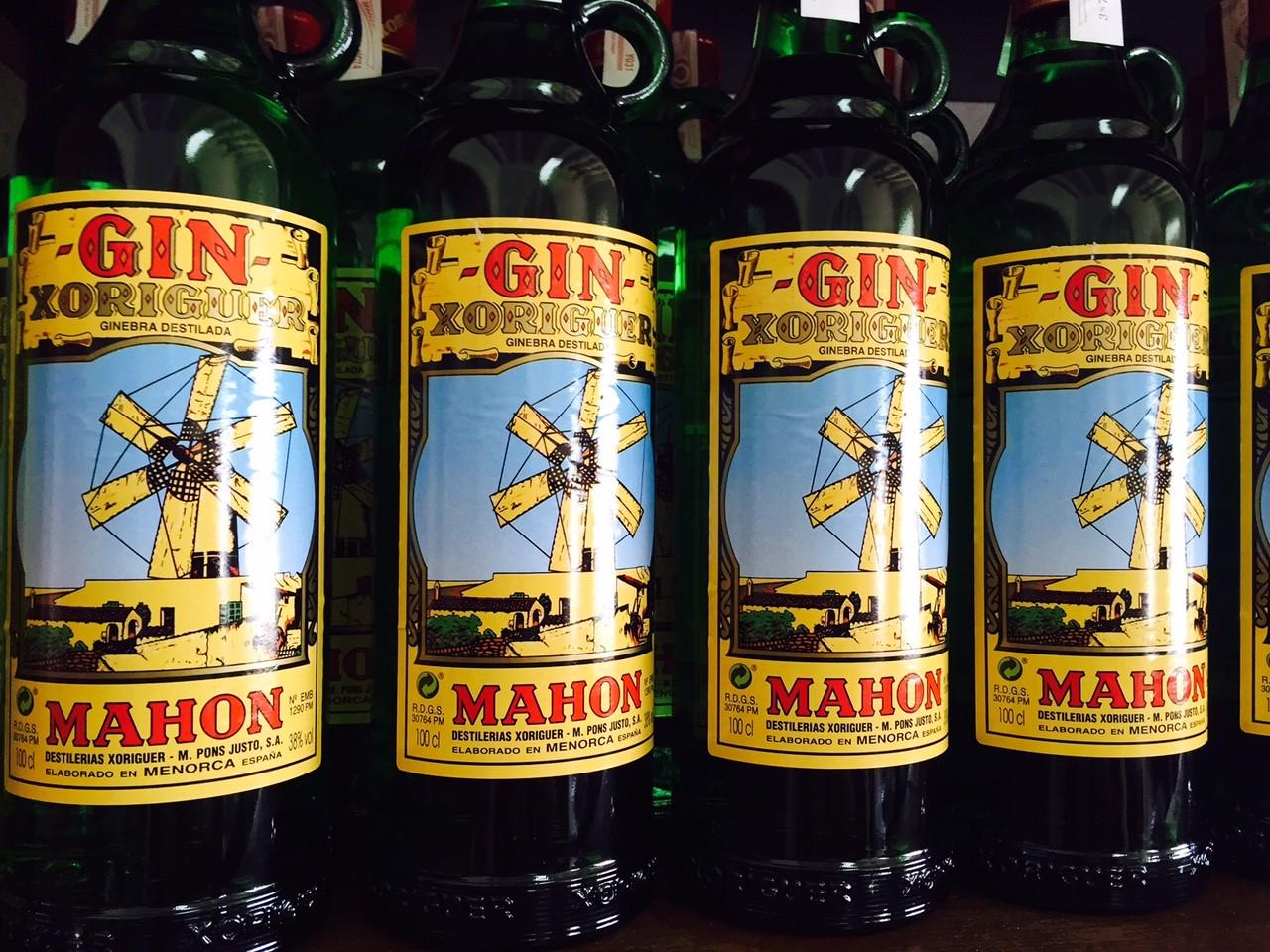 Gin uit Menorca rondleiding bij Xoriguer in Mahon Foodblog Foodinista