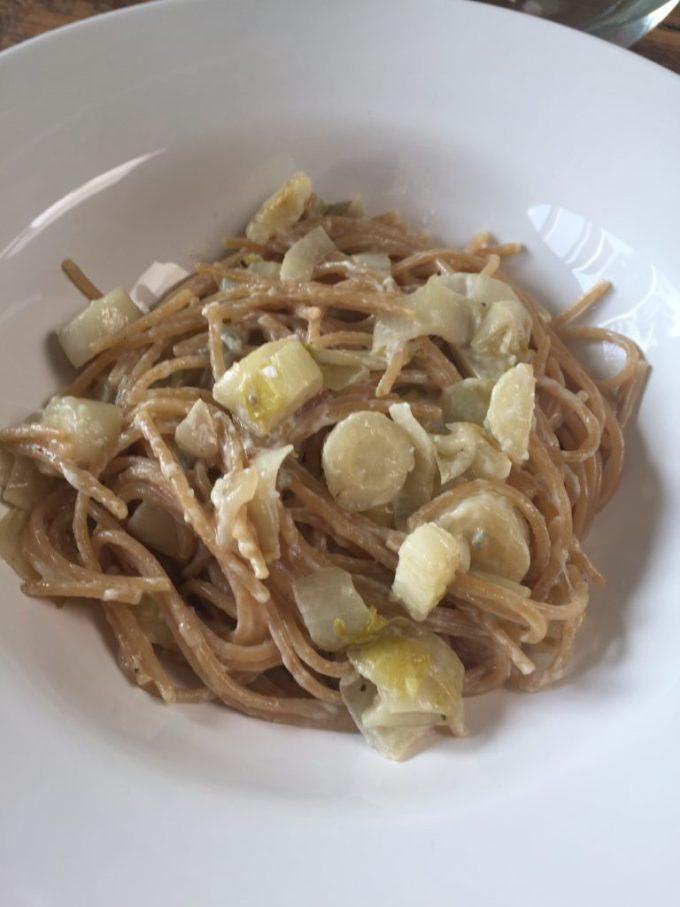 Spaghetti met gorgonzola en witlof recept foodblog Foodinista