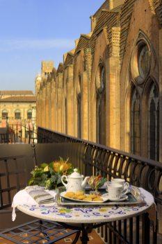 Commercianti---005-colazione-in-terrazza