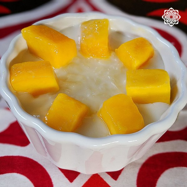 Egyptian Rice Pudding (أرز باللبن) with Mango topping