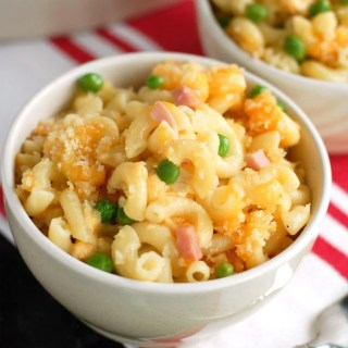 macaroni and cheese with ham and cheese
