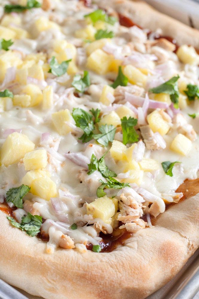 sheet pan bbq chicken pizza