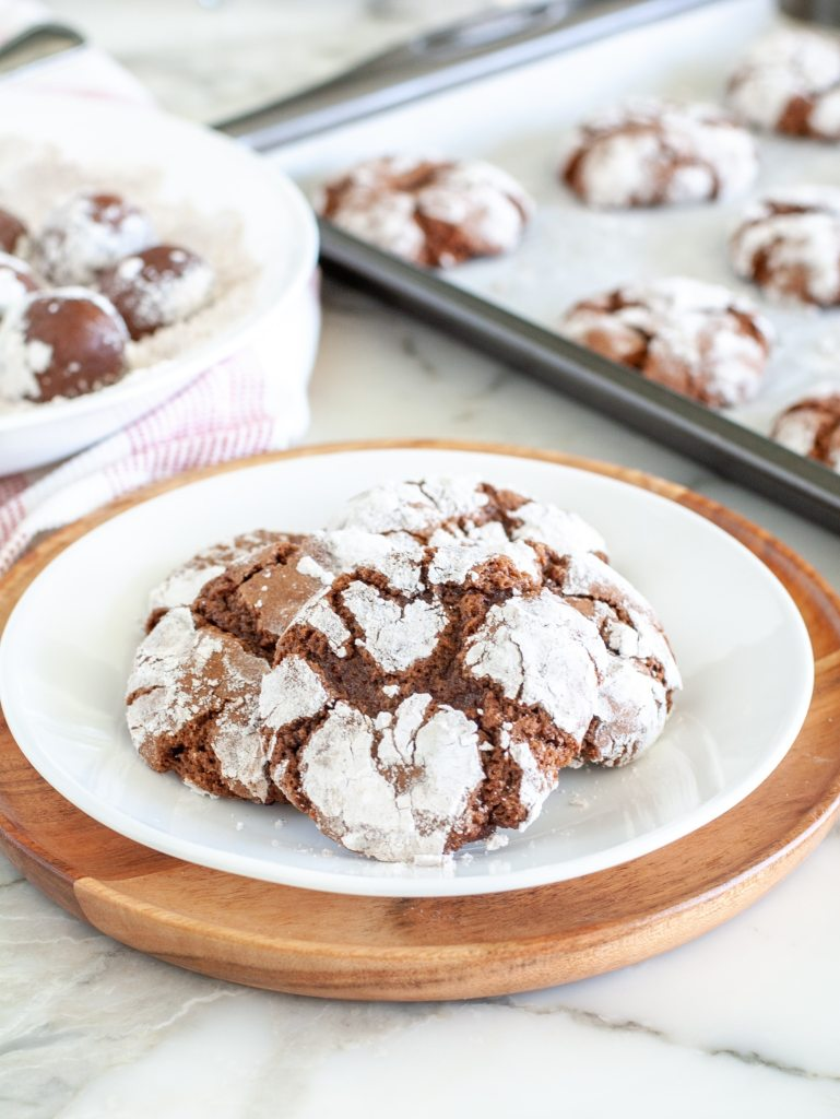 Crinkle cookies on a plate
