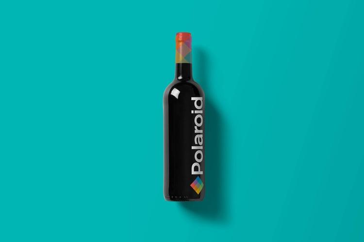 Wine-Bottle-Mockup_pola