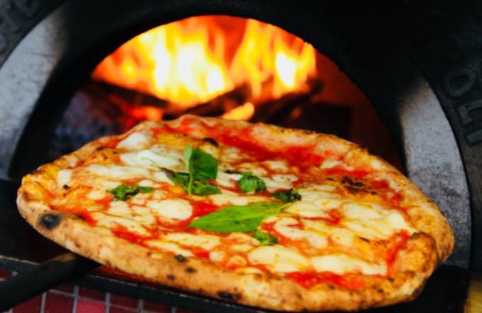 IL GALATEO DELLA PIZZA