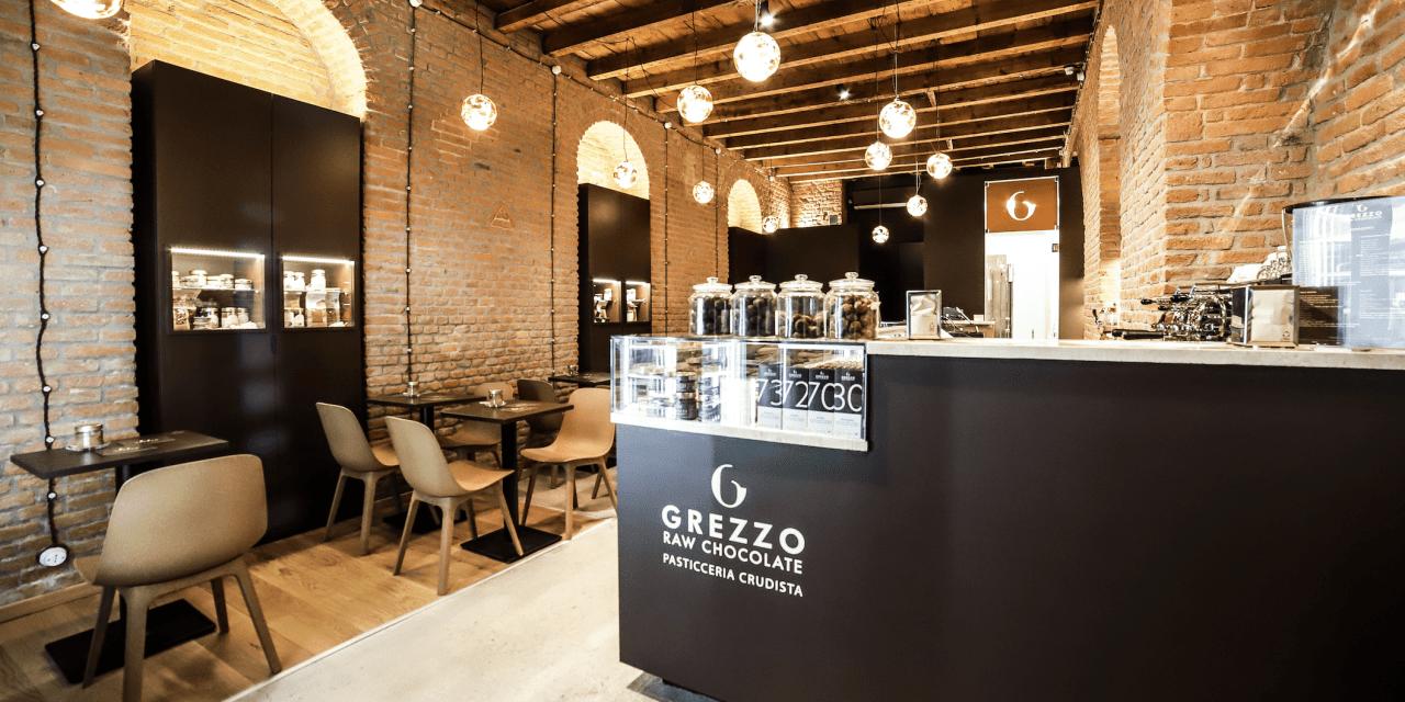 A Milano apre Grezzo: la prima pasticceria e gelateria crudista della città