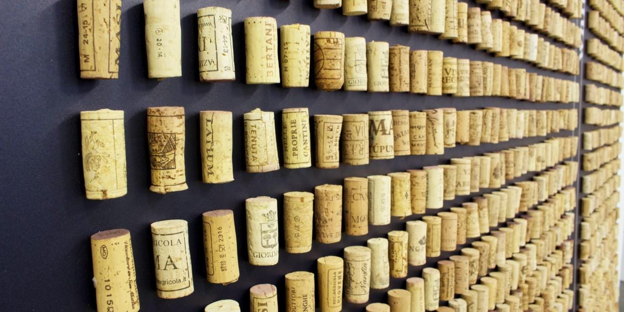 Winesolutions: nasce il primo e-commerce dei tappi su misura