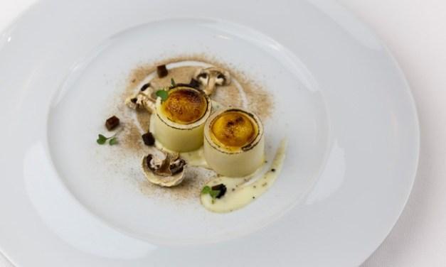 Cilindri di patata ripieni di créme brûlé di grana padano by Tano Simonato