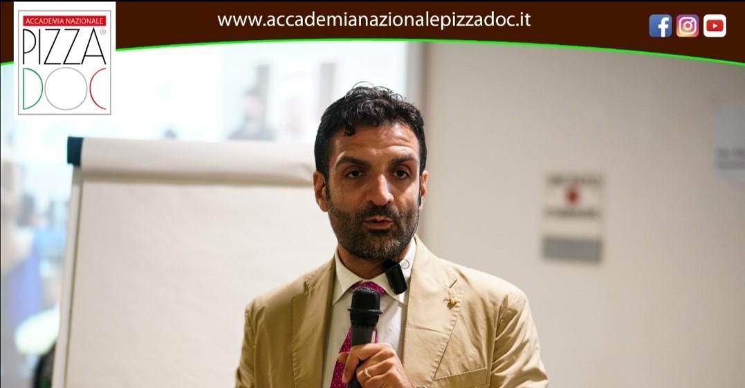 INTERVISTA AD ANTONIO GIACCOLI, PRESIDENTE DELL'ACCADEMIA NAZIONALE PIZZA DOC