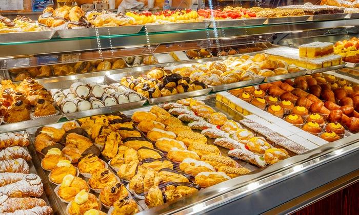 Il pasticciere  a Napoli tra dolci tradizionali e nuovi
