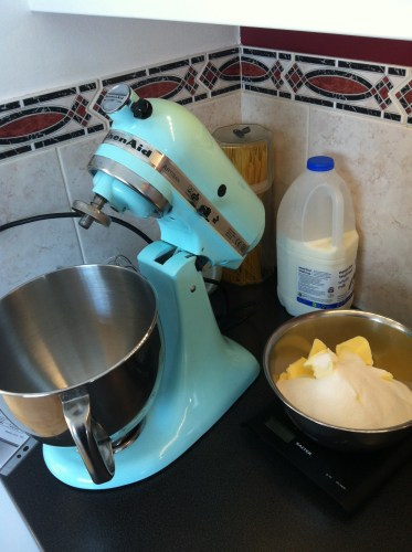 Making a Wedding Cake at Home