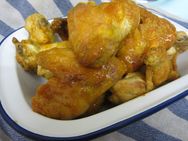 Crispy Oven Buffalo Chicken Wings in Enamel Dish