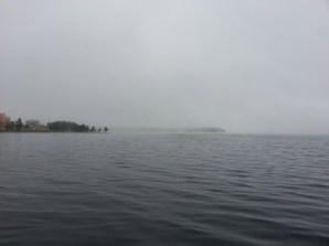 Dimmig sjöbild