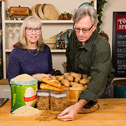 David and Libby show off types of carbs