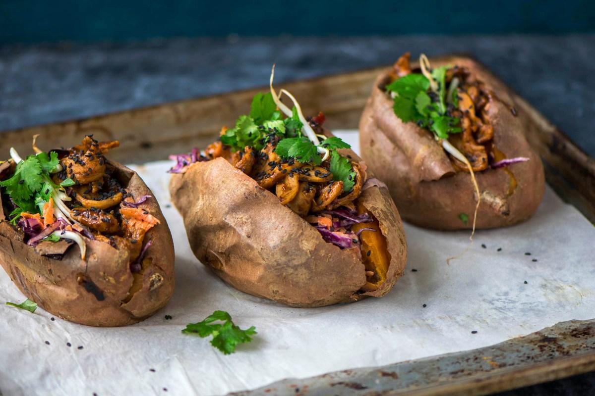[:de]Asiatisch gefüllte Süßkartoffeln[:en]Stuffed asian sweet potatoes[:]