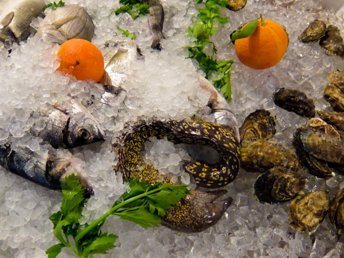 Fish and shellfish on ice