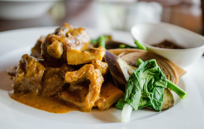 Kare Kare with Oxtail at Raffles Manila, photo by Jenny Adams (1)