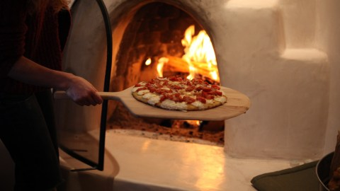 Make a brick oven your weekend project. (Photo: generated/Flickr.)