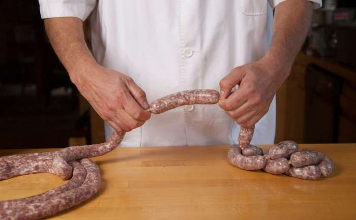 Uli's Sausage__11
