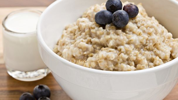Oatmeal yang mengandung karbohidrat kompleks