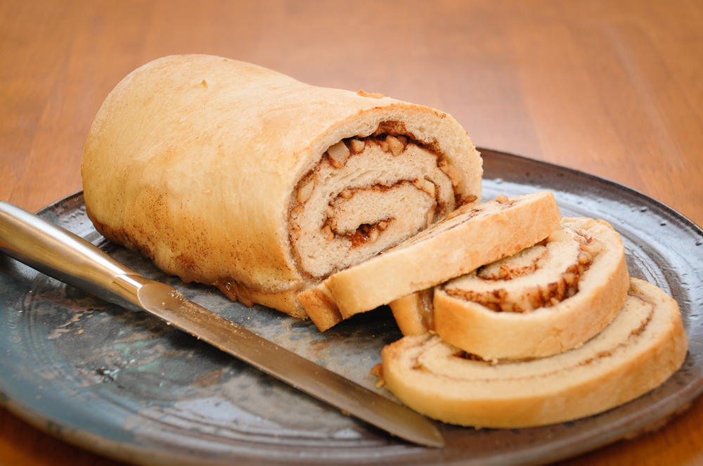 apple cinnamon yeast bread