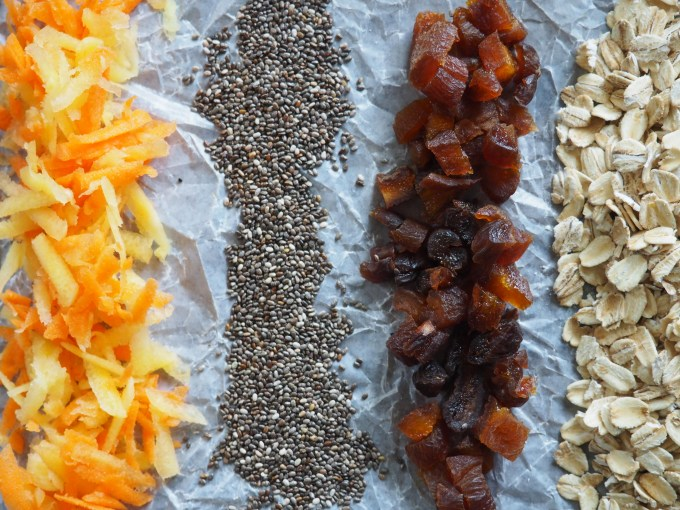 quick and healthy breakfast recipes carrot apricot overnight oats incredients, shredded carrots, chia seeds, dried apricots, gluten-free whole oats